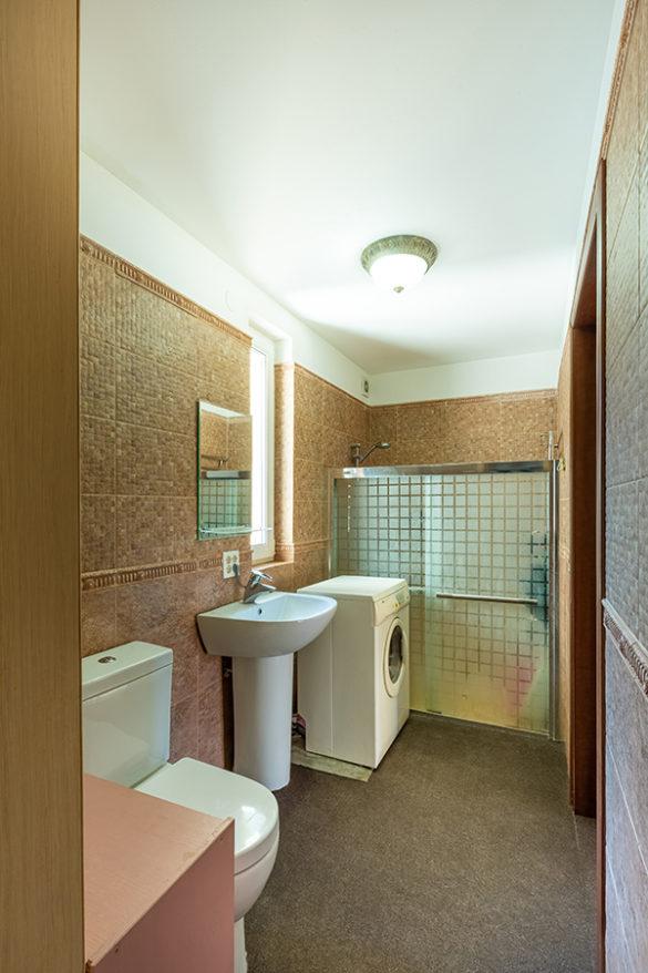 Фото ванной комнаты для продажи в интерьерной фотографии